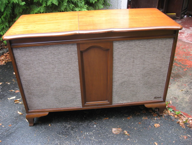 Fisher Chadwick Console Front
